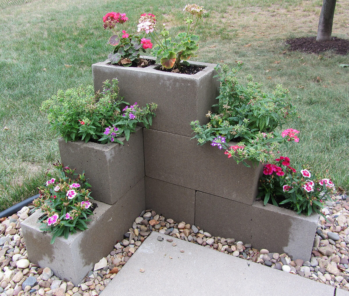 adornar tu casa con bloques de cemento 12