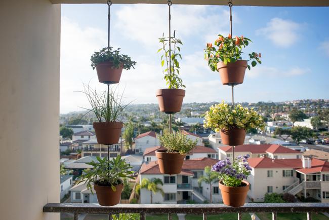 balcones decorados con plantadores 14
