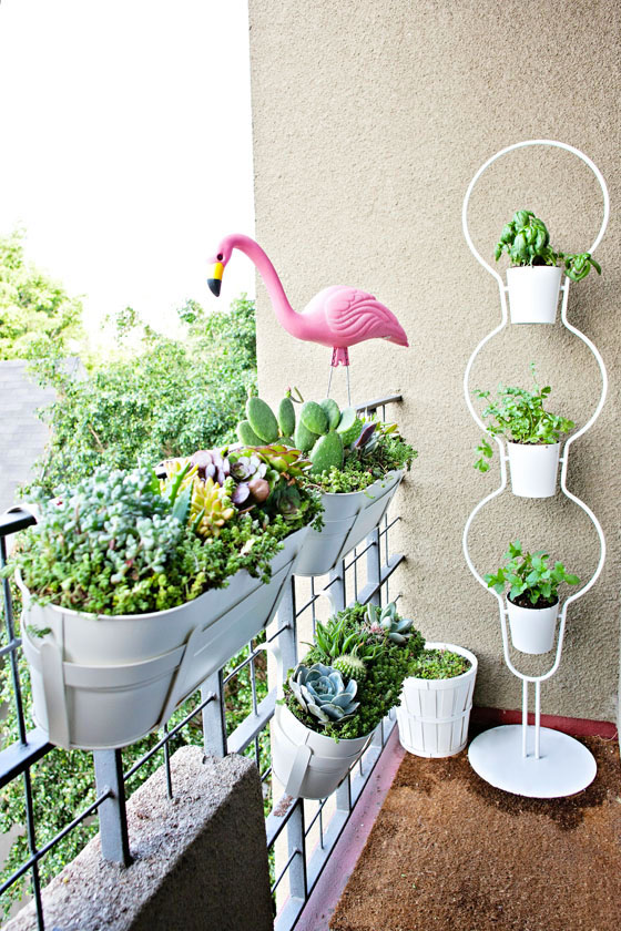 balcones decorados con plantadores 15
