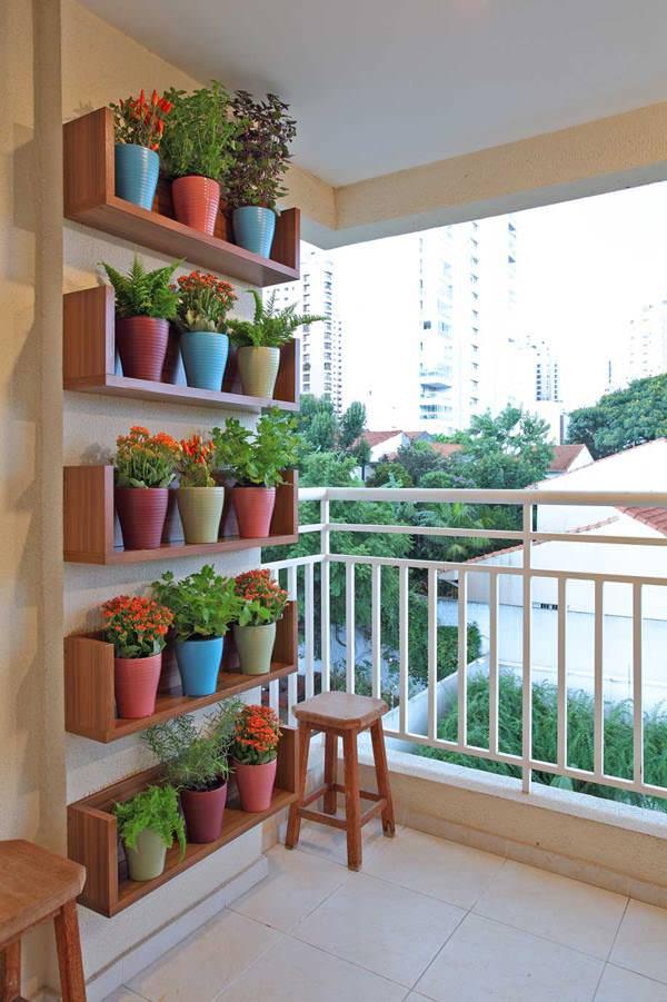 balcones decorados con plantadores 2