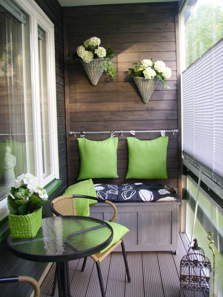 balcones decorados con plantadores 5