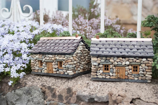 15 casas de piedra en miniatura para hacer su jard n for Como construir una casa de piedra