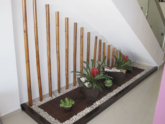 20 ideas extraordinarias decorar bajo la escalera con - Como decorar una escalera interior ...