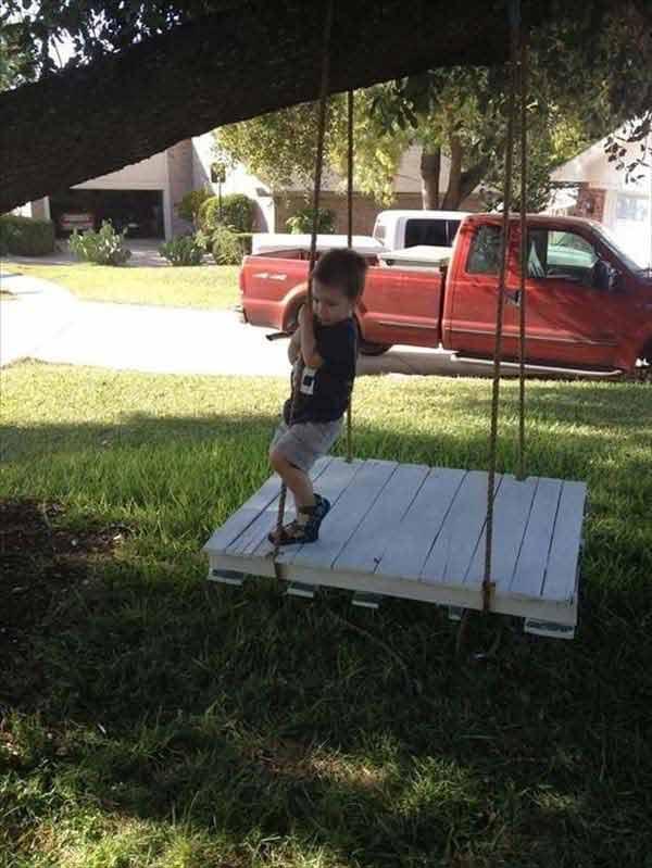 15+ Proyectos DIY para Decorar el Jardín con Objetos Reciclados