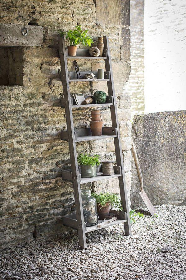 15+ Estupendas Ideas para Hacer Macetero con Escalera de Madera