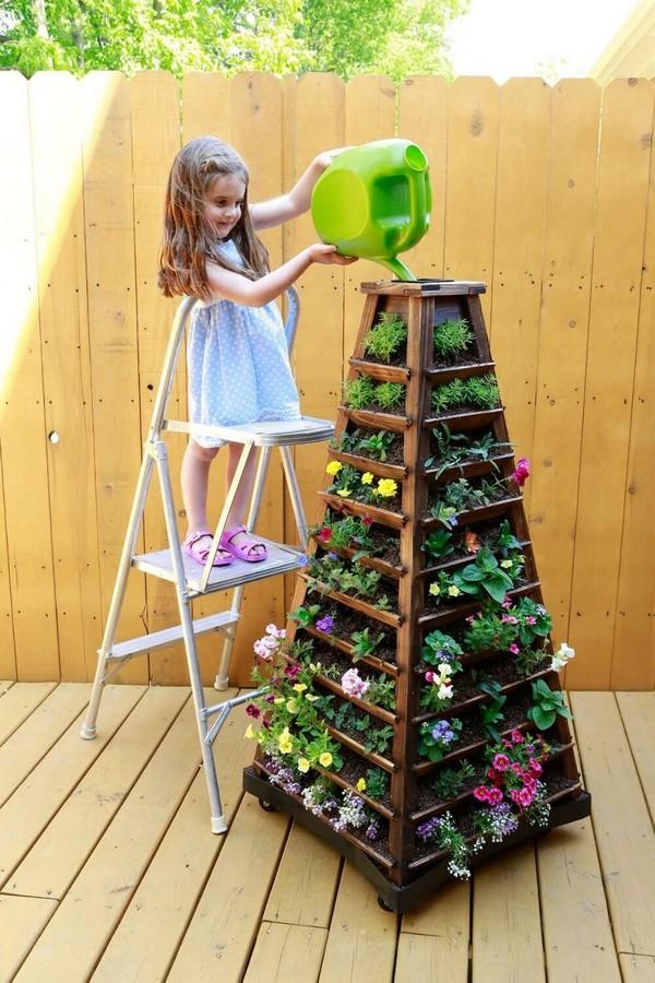 15+ Hermosas Torres de Macetas con Flores
